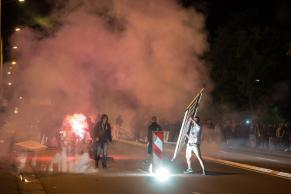 Der rassistische Mob im August 2015  in Dresden-Heidenau. (Foto: Christian Ditsch)