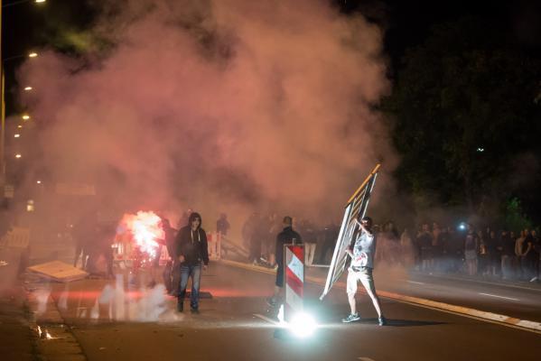 Der rassistische Mob im August 2015  in Dresden-Heidenau. (Foto: Christian Ditsch)